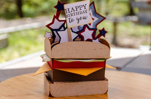 You are looking at the Hamburger Box Card. It actually looks like a hamburger on a bun with cheese, lettuce, tomato and onion.