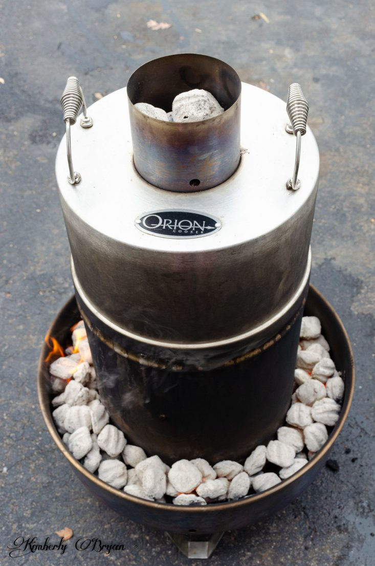 You are looking at the coals around the Orion that have turned white. Now the Cooking time can begin.