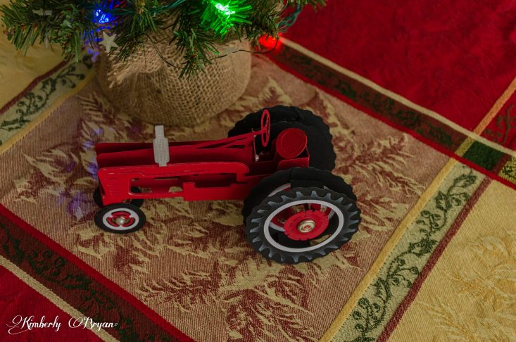 You are looking at the Christmas Tractor Box Card in an above view. It's an amazing card any one with a tractor would love for any occasion. This is certainly one of my favorite svg cut files I've worked with. THis is from my post, Christmas Tractor Box Card, For any Occasion.
